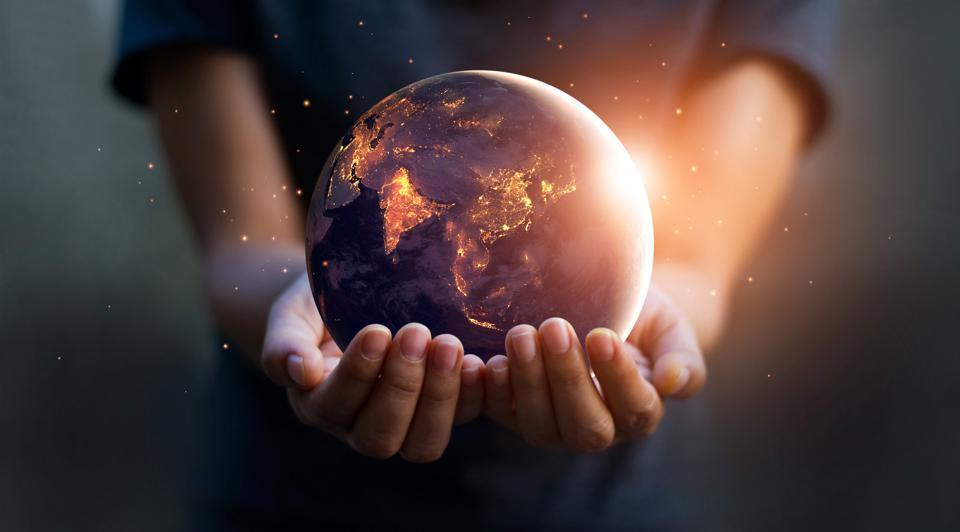 """Giornata mondiale della Terra 2021: """"Restore Our Earth"""" il tema della 51esima edizione."""