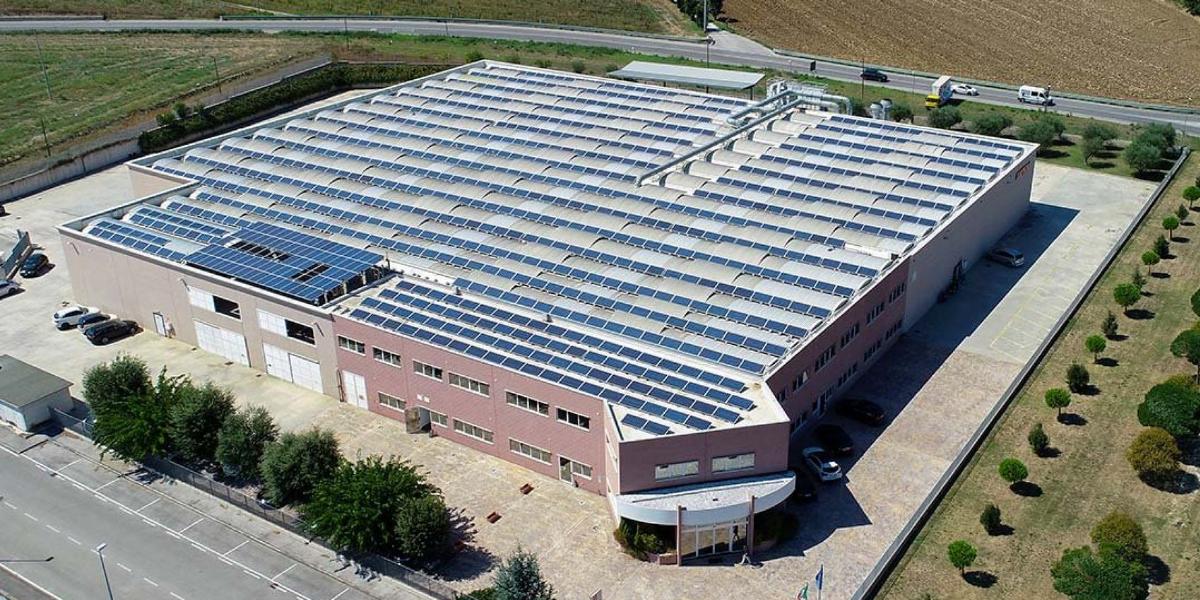 Modifica configurazione impianto fotovoltaico da cessione totale ad autoconsumo.